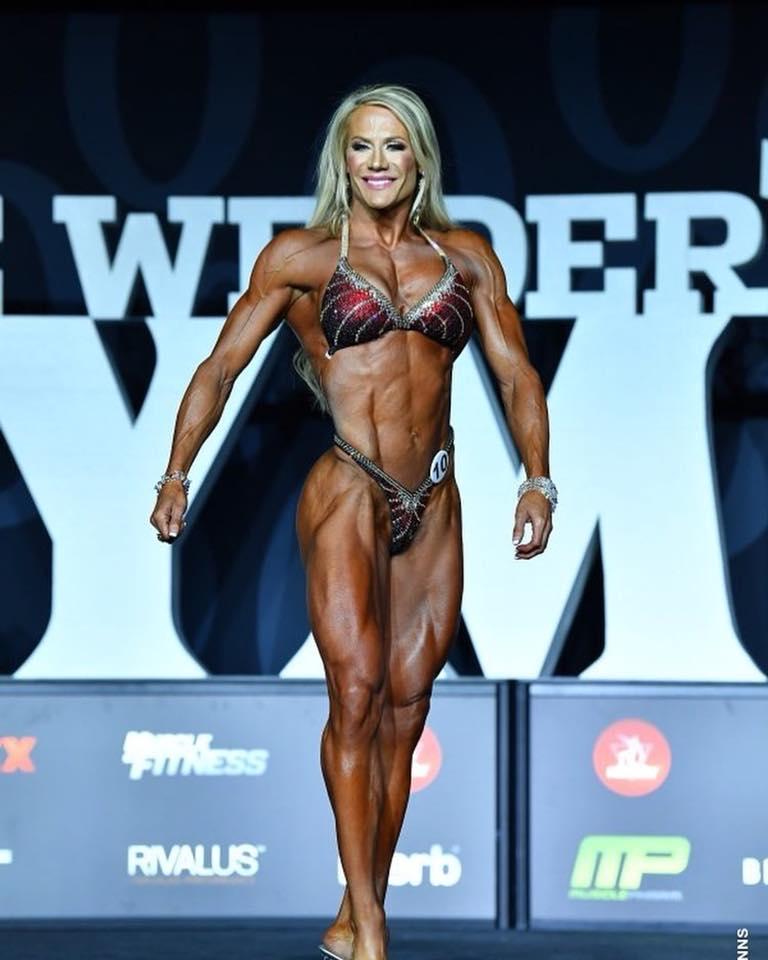 Όνομα: whitneyjones_ifbbpro 2018 Women's Fitness.jpg Εμφανίσεις: 393 Μέγεθος: 59,4 KB