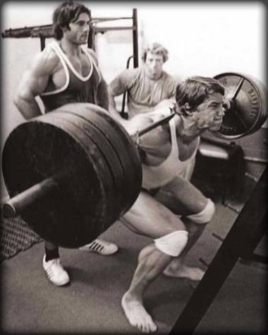 Όνομα: arnold-squat.jpg Εμφανίσεις: 7186 Μέγεθος: 96,8 KB